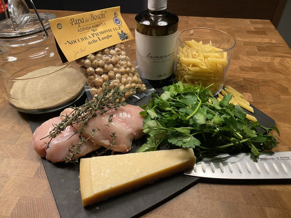 Rezept_Pasta_Haselnusspesto_Charmingplaces_Piemont